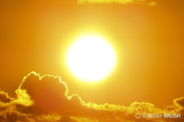 Wanneer is de zon op zijn sterkst